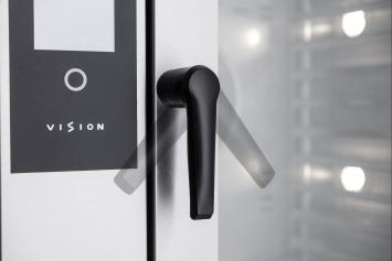 Bezpečnostní otevírání dveří ve dvou krocích